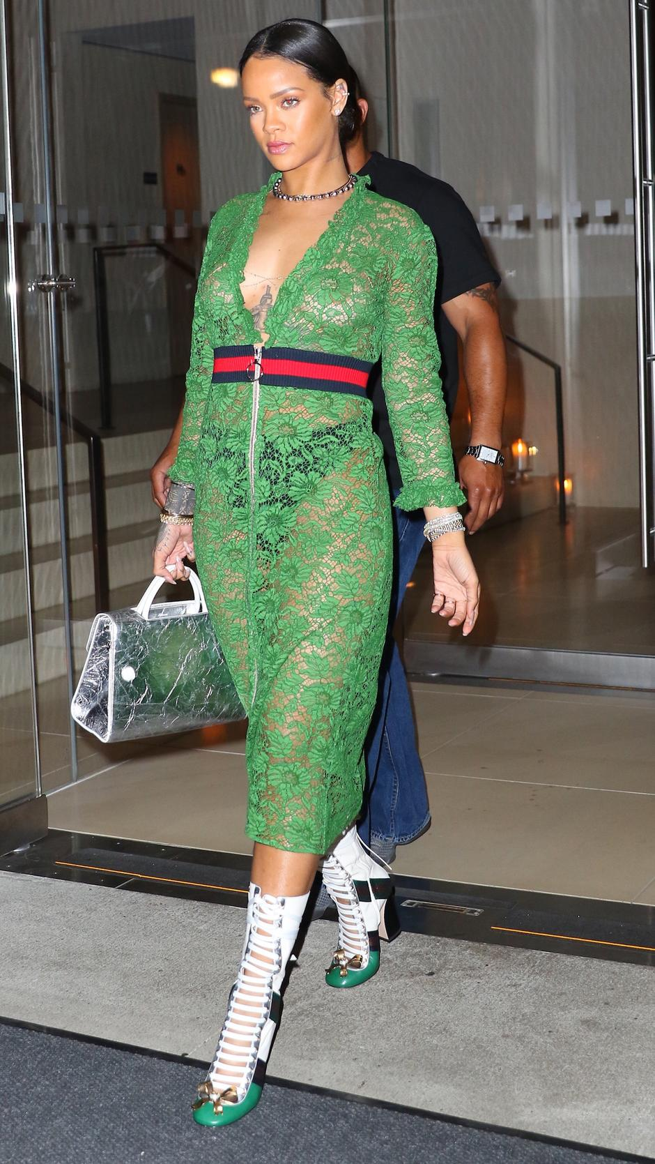 Rihanna is Gucci-down in green lace dress and leather high boots | Autor: MAPE