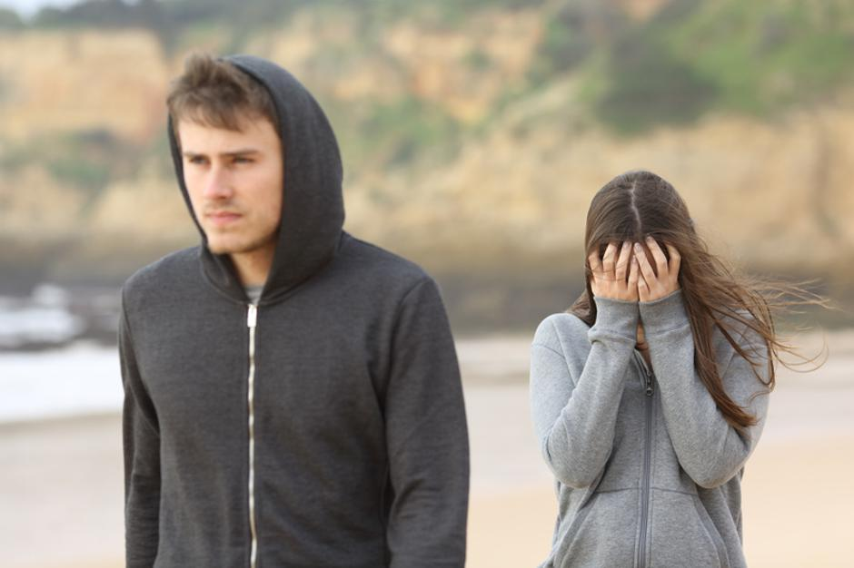 Teenager couple breaking up | Autor: Dreamstime