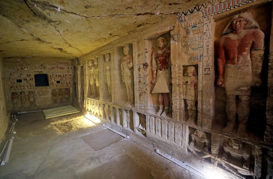 A view of the newly-discovered tomb of 'Wahtye', which dates from the rule of King Neferirkare Kakai, at the Saqqara area near its necropolis, in Giza | Autor: MOHAMED ABD EL GHANY