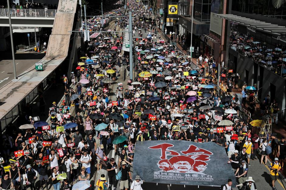 Anti-extradition bill protesters march during the anniversary of Hong Kong's handover to China in Hong Kong | Autor: TYRONE SIU/REUTERS/PIXSELL/REUTERS/PIXSELL