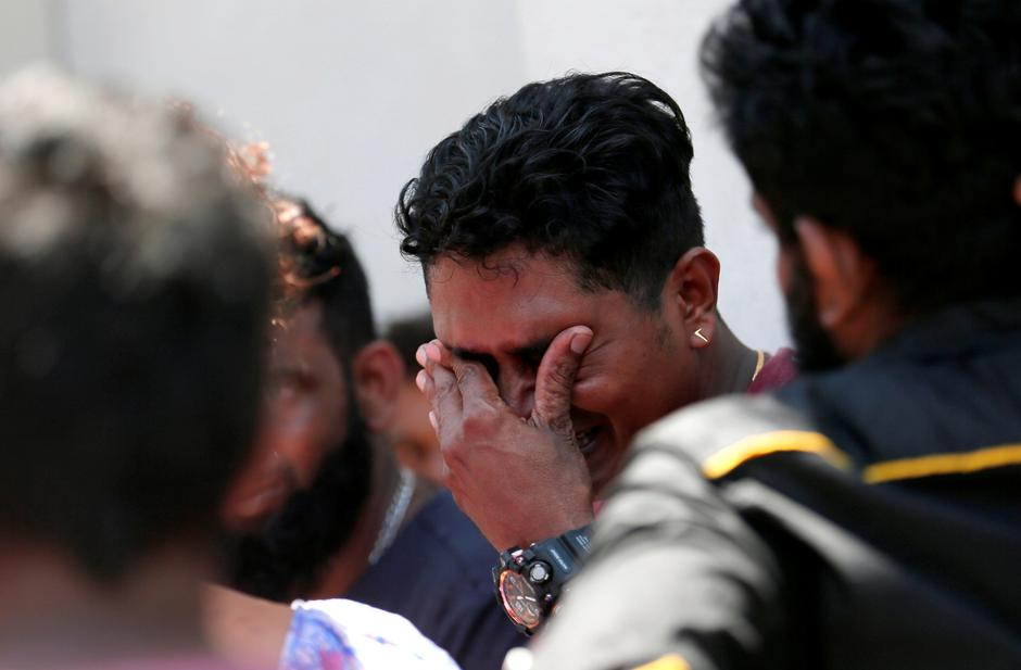 A relative of a victim of the explosion at St. Anthony's Shrine, Kochchikade church reacts at the police mortuary in Colombo | Autor: DINUKA LIYANAWATTE/REUTERS/PIXSELL/REUTERS/PIXSELL