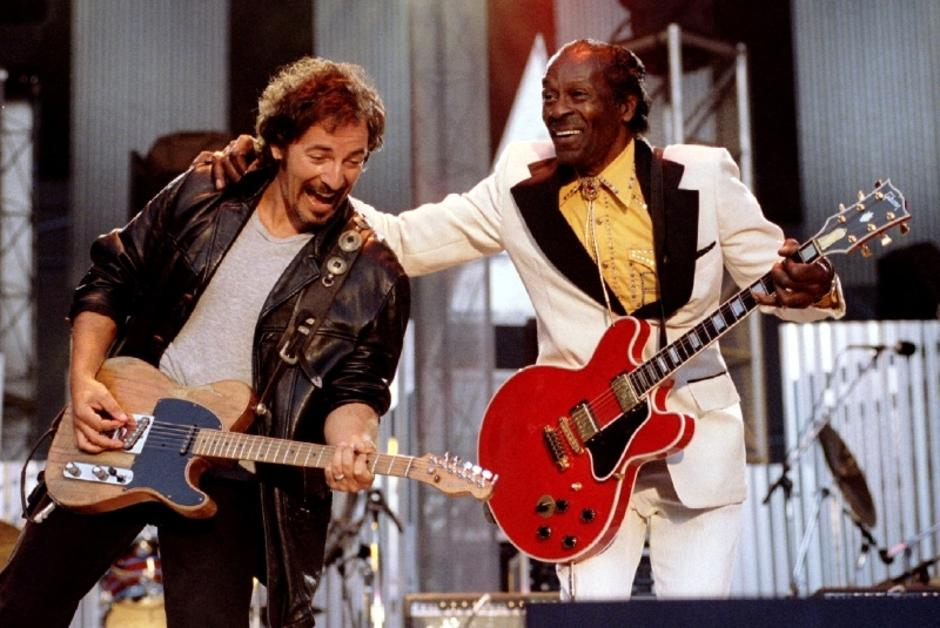 "FILE PHOTO Bruce Springsteen and Chuck Berry perform ""Johnny B. Good"" to open The Concert for the Rock & Roll Hall of Fame 