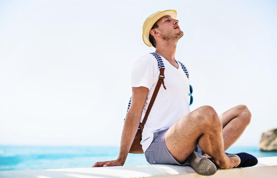Young man relaxes | Autor: Dreamstime