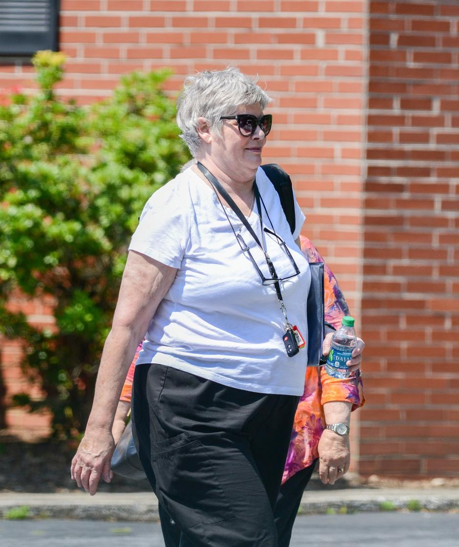 EXCLUSIVE: Thirty-two years after shooting to super-stardom in Top Gun, Kelly McGillis is barely recognisable as she attends a church service near her rural home in North Carolina | Autor: Profimedia